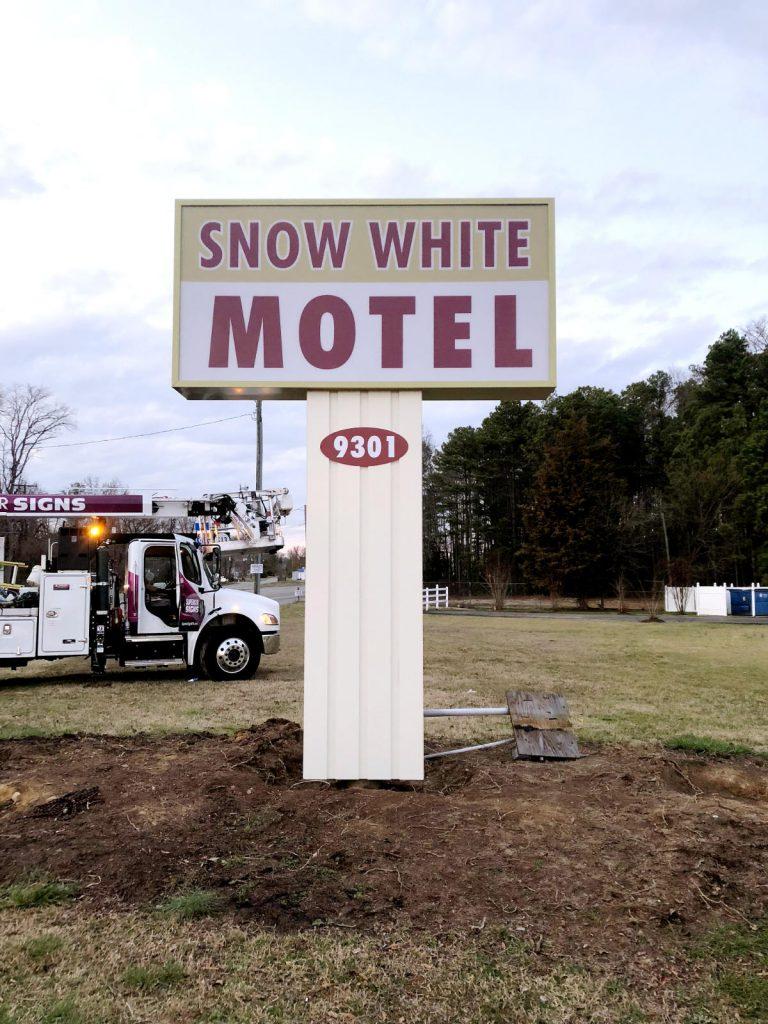 Snow White Motel
